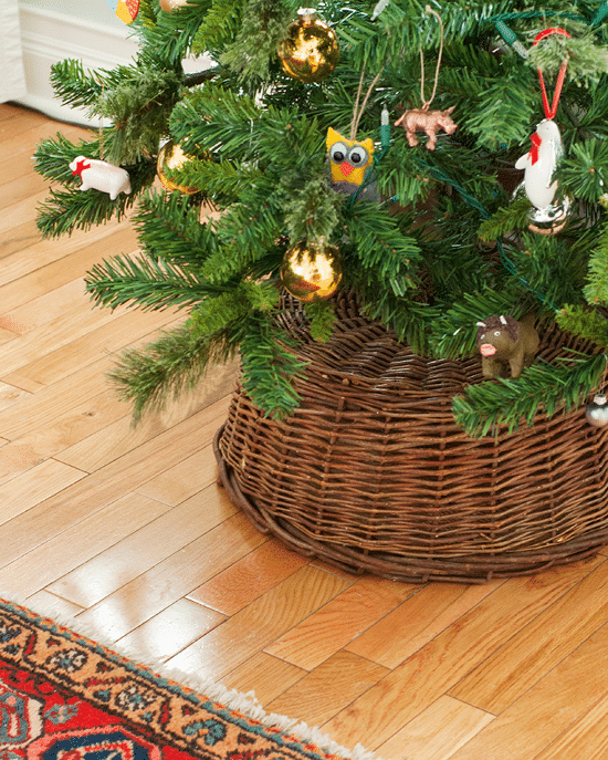a simple tree skirt alternative - Small Christmas Tree Skirts