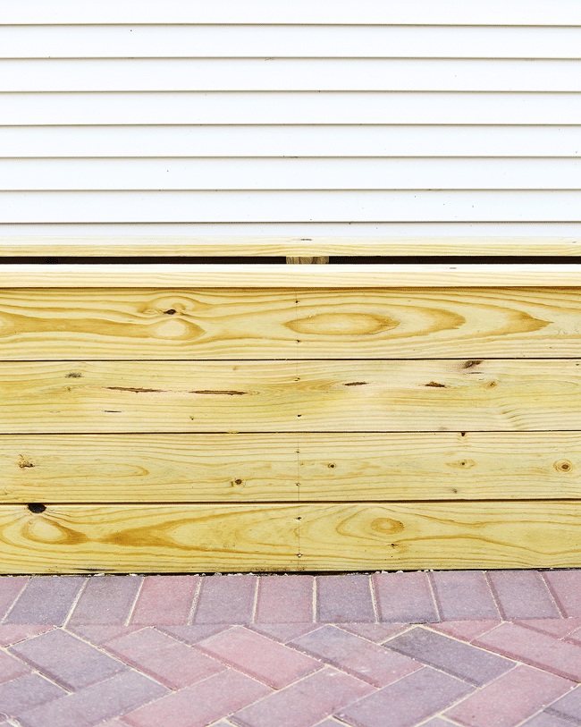 37 Feet Of DIY Planter Boxes
