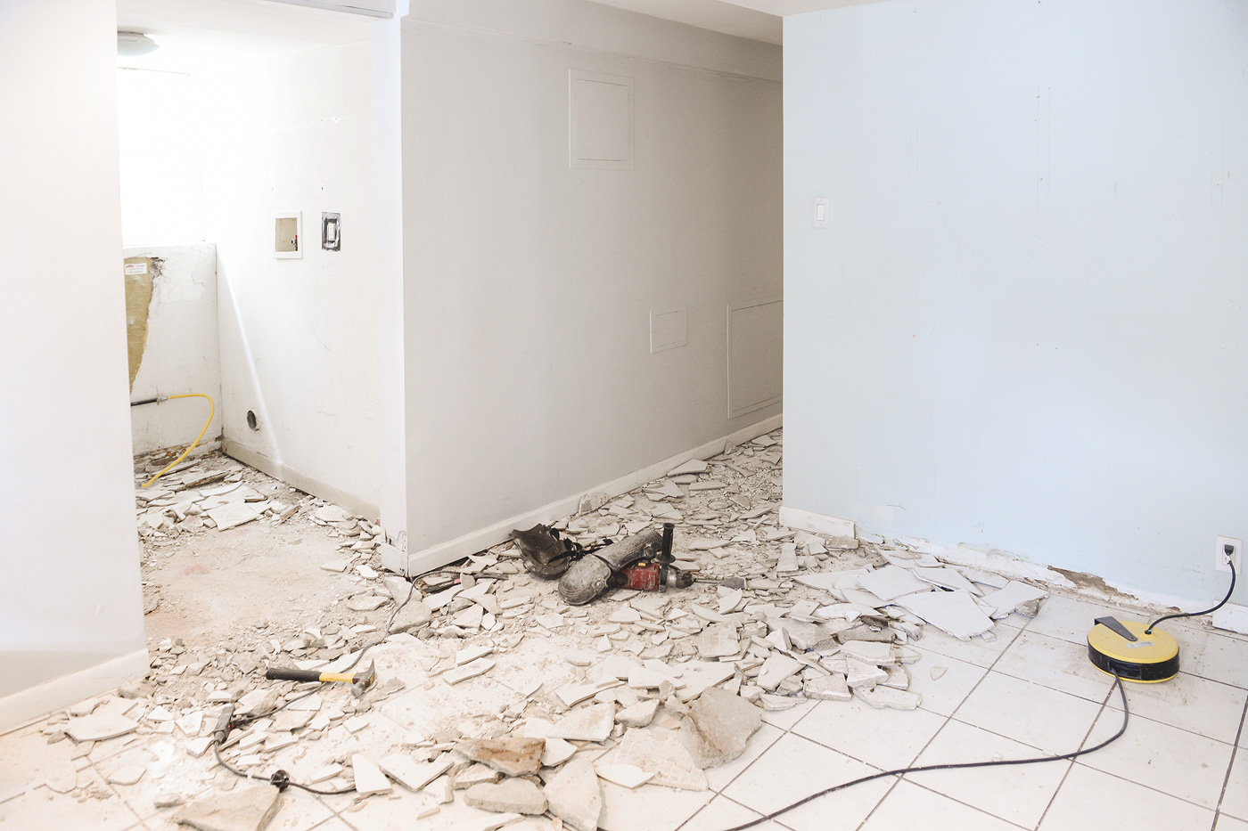 choosing and installing tile for the garden apartment!