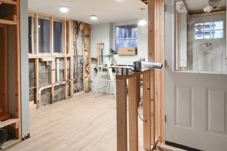 Making Drywall Fun + A Tour of the Mudroom - Yellow Brick Home