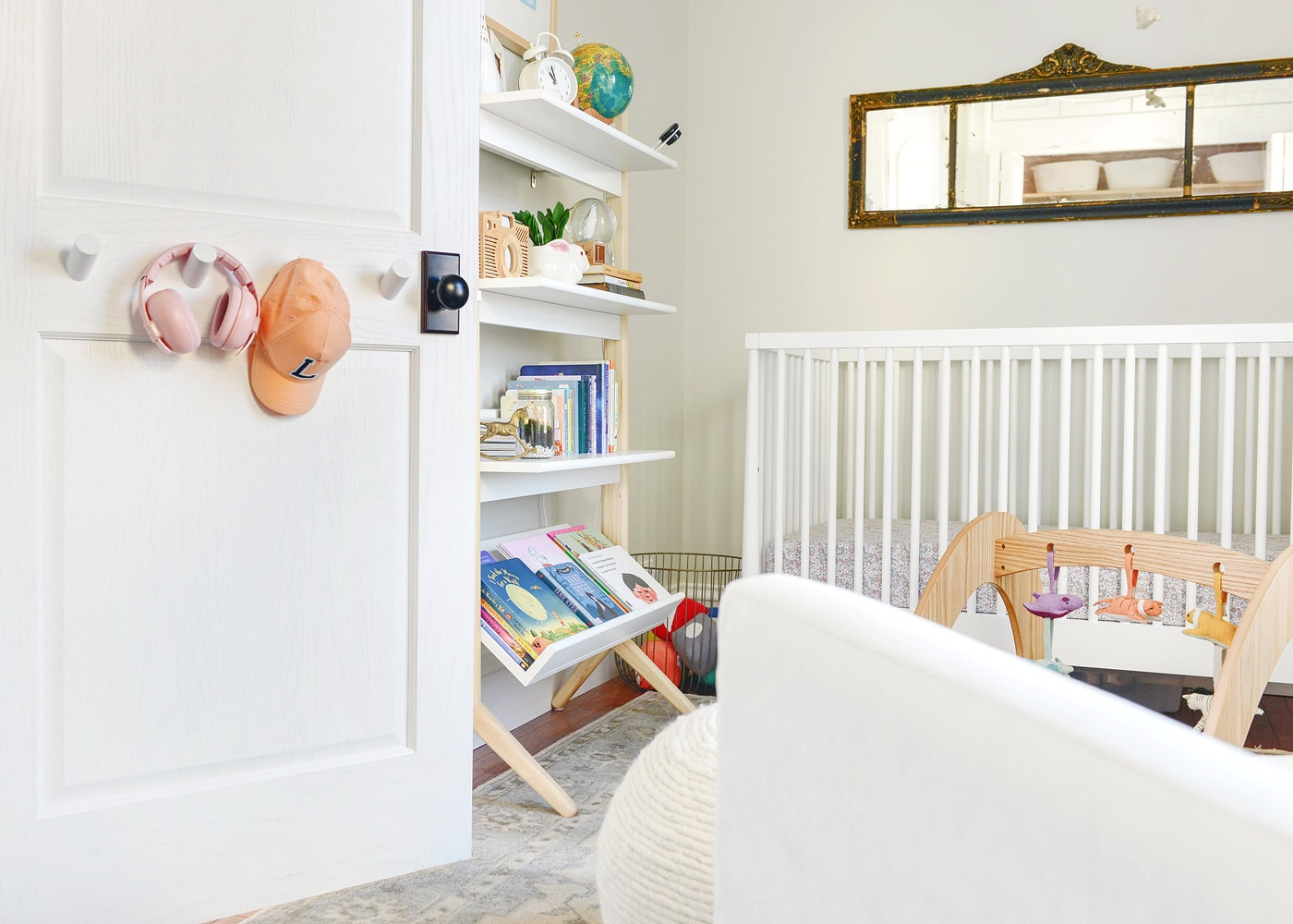 Chubby DIY Dowel Hooks for Lucy?s Room