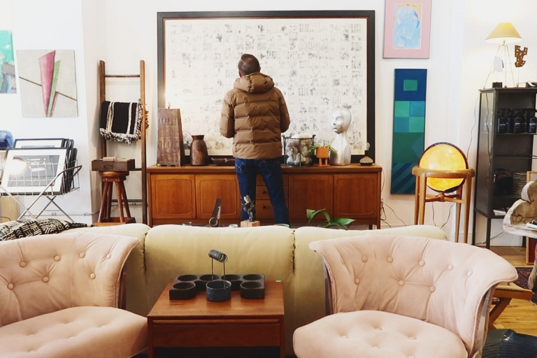 Our favorite vintage stores to shop for furniture in Chicago // via Yellow Brick Home