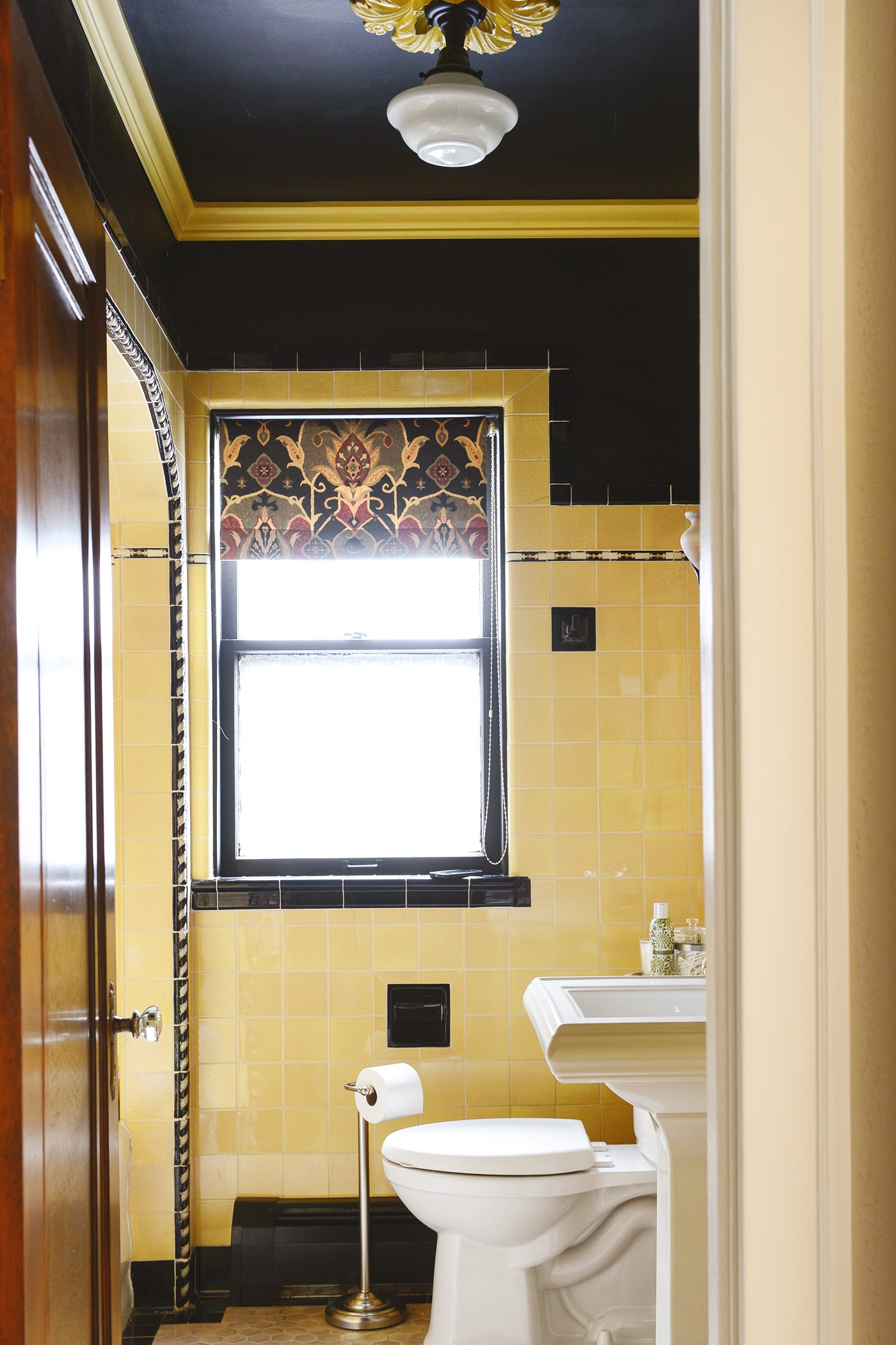 How To Refresh A Vintage Bathroom Keep The Charm I Of Ii Yellow Brick Home